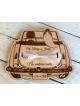 La voiture de mariage  -  le cadeau en forme de la caisse á monnaie
