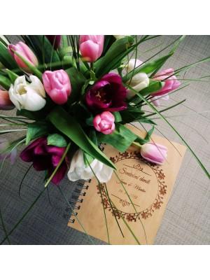 Dřevěný svatební deník